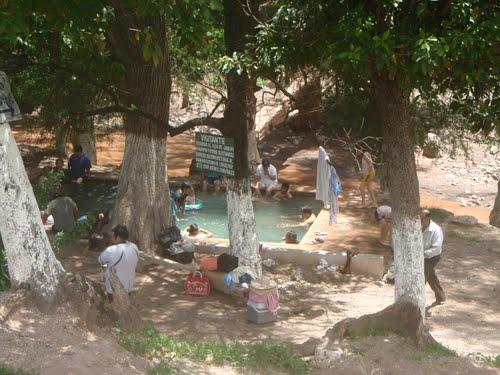 Paseo por Mexico Balneario de aguas termales en Huehuetlán el Grande