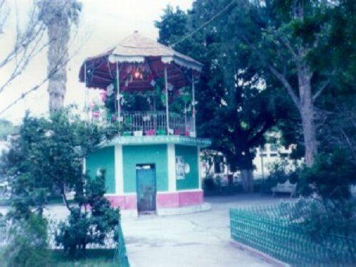 Paseo por Mexico Kiosco de Huehuetla