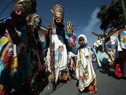 Paseo por Mexico Carnaval de Huejotzingo