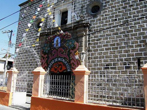Paseo por Mexico Templo de San Diego en Huejotzingo