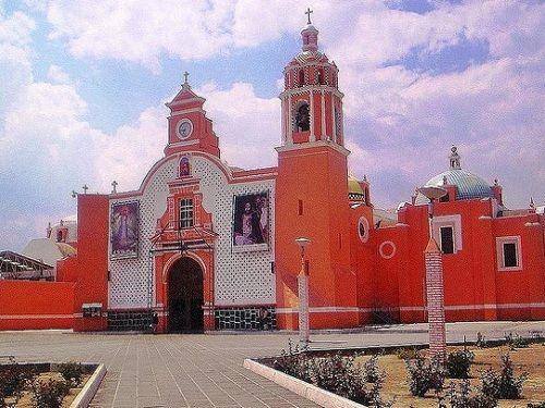 Paseo por Mexico Parroquia de San Miguel Arcángel en Huejotzingo