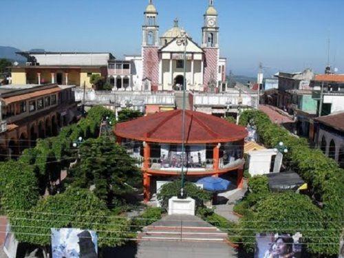 Paseo por Mexico Templo Parroquial Santiago Apóstol en Hueytamalco