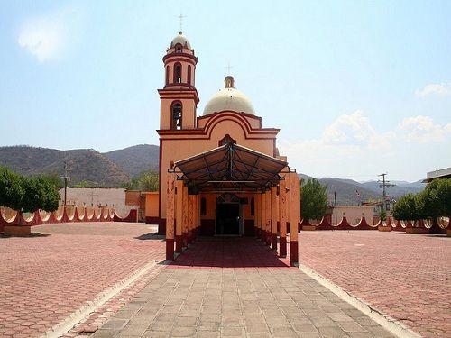 Paseo por Mexico Iglesia de Santa Catarina Mártir en Ixcamilpa de Guerrero