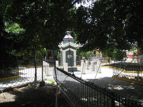 Paseo por Mexico Parque municipal de Ixcaquixtla