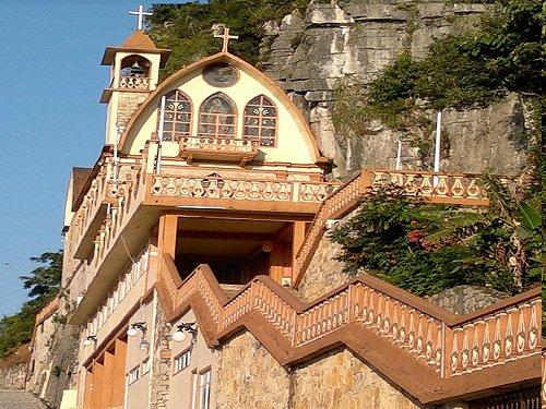 Paseo por Mexico Santuario del Peñón en Jonotla