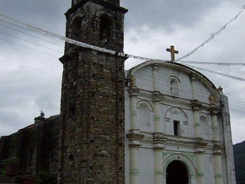 Paseo por Mexico Iglesia Parroquial de Chicontla en Jopala