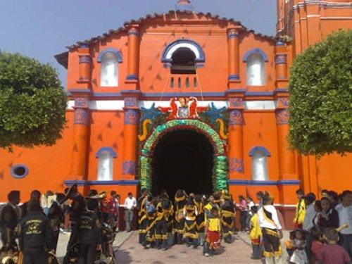 Paseo por Mexico Templo parroquial San Marcos en Naupan