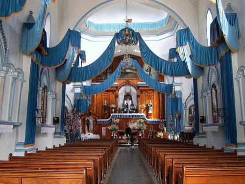Paseo por Mexico Interior de Iglesia Parroquial a Santa María de la Natividad en Nauzontla