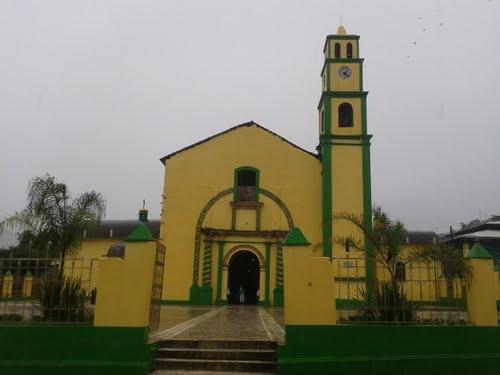 Paseo por Mexico Templo parroquial dedicado a San José en Olintla