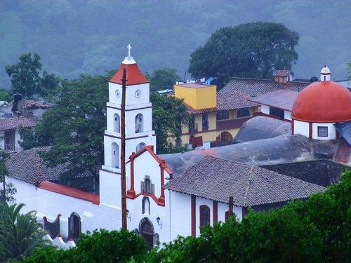 Paseo por Mexico Templo parroquial de Santiago Apóstol en Pahuatlán