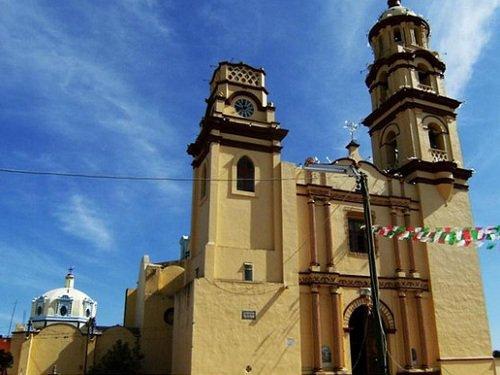 Paseo por Mexico Templo de Santiago Apóstol en Petlalcingo