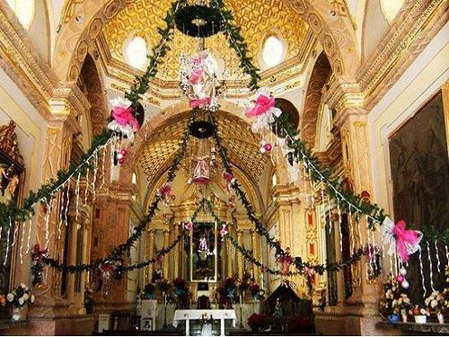Paseo por Mexico Interior de Templo del Señor del Calvario en Petlalcingo