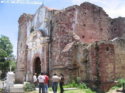 Paseo por Mexico Antiguo Templo de Santana Tepejillo en Petlalcingo
