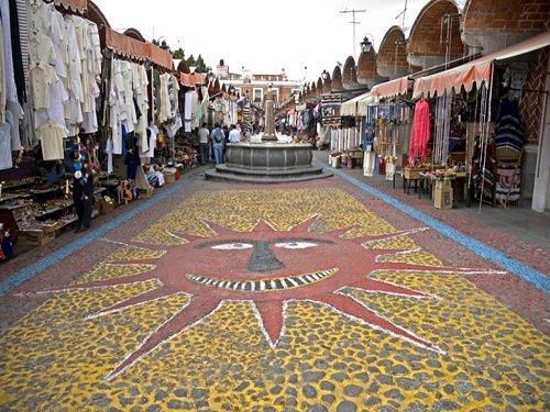 Paseo por Mexico Mercado de Artesanías