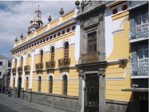 Paseo por Mexico Museo del Ejército, Fuerza Aérea y Biblioteca Ignacio Zaragoza en Puebla
