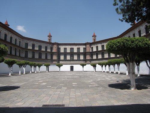 Paseo por Mexico Instituto Cultural Poblano