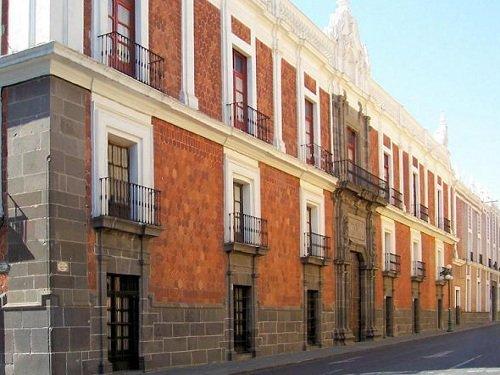 Paseo por Mexico Ex Colegio de San Pantaleón en Puebla