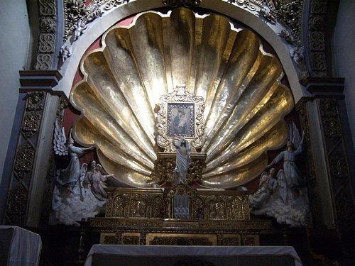 Paseo por Mexico Interior de Parroquia de Santiago en Puebla