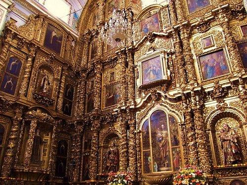 Paseo por Mexico Interior de Iglesia de la Soledad en Puebla