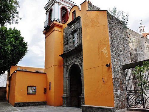 Paseo por Mexico Templo de Nuestra Señora de la Candelaria en Puebla
