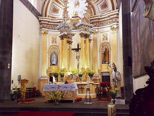 Paseo por Mexico Interior de Templo de San Pedro en Puebla