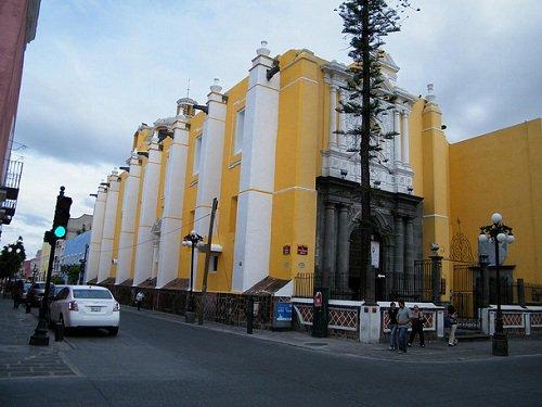 Paseo por Mexico Templo de las Capuchinas en Puebla