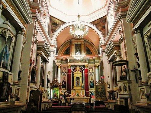 Paseo por Mexico Interior de Templo de las Capuchinas en Puebla