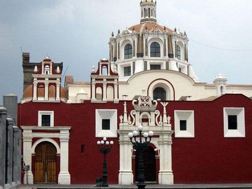 Paseo por Mexico Templo de Santo Domingo en Puebla