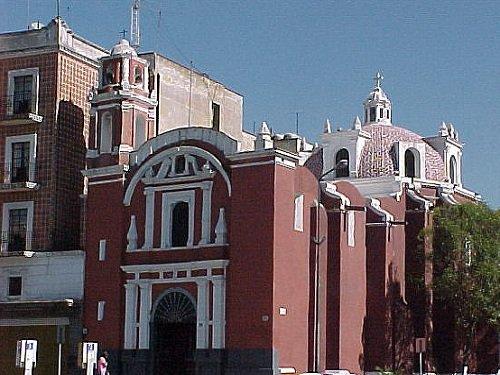 Paseo por Mexico Capilla de Dolores del Puente en Puebla
