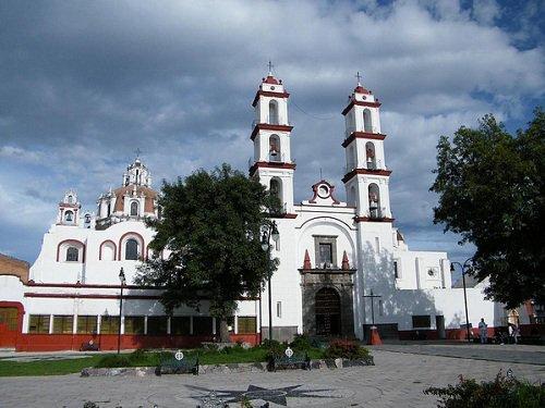 Paseo por Mexico Parroquia Santo Angel Custodio en Puebla