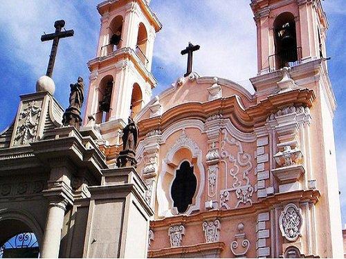 Paseo por Mexico Parroquia de la Santa Cruz en Puebla