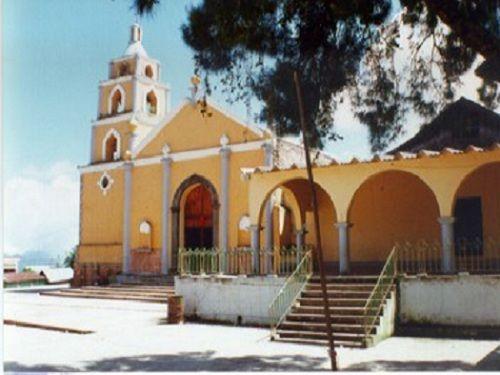 Paseo por Mexico Iglesia de San Juan Bautista en Quimixtlán