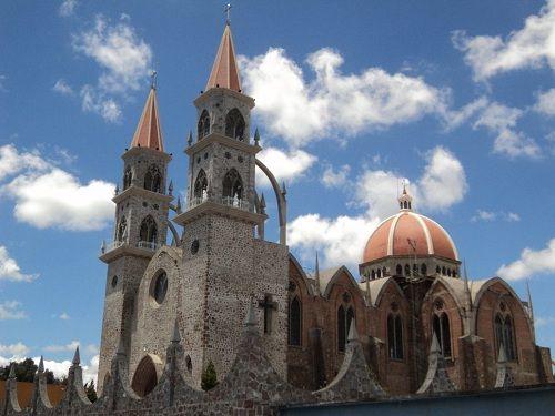 Paseo por Mexico Parroquia de San Marcos en Rafael Lara Grajales