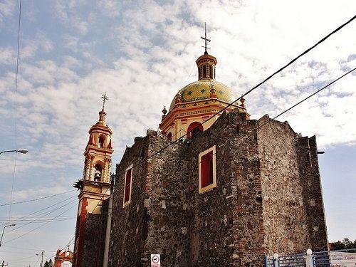 Paseo por Mexico Templo Santiago Xicotenco en San Andrés Cholula