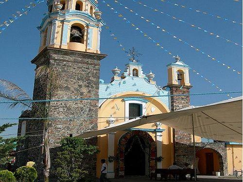 Paseo por Mexico Iglesia de Santiago Cuayantla en San Andrés Cholula