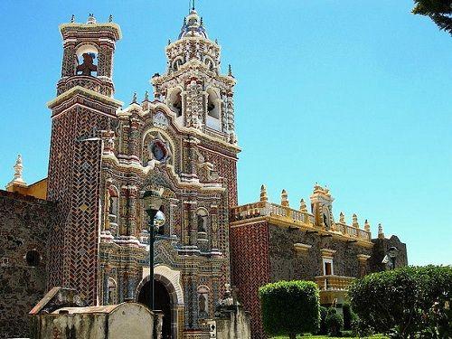 Paseo por Mexico Templo San Francisco Acatepec en San Andrés Cholula