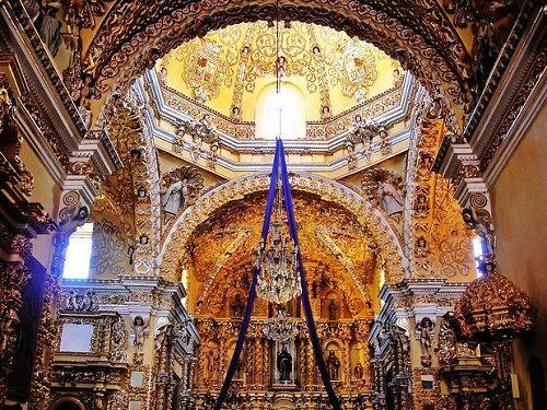 Paseo por Mexico Interior de Templo San Francisco Acatepec en San Andrés Cholula