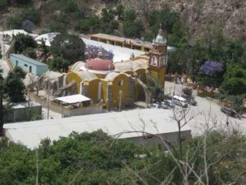 Paseo por Mexico Parroquia dedicada a San Antonio en San Antonio Cañada