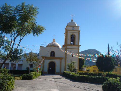 Paseo por Mexico Iglesia parroquial a San Miguel Arcángel en San Miguel Ixitlán