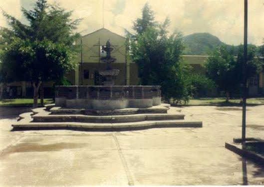 Paseo por Mexico Zócalo de San Miguel Ixitla