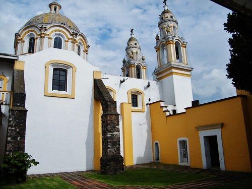 Paseo por Mexico Templo de La Santa Cruz de Jerusalén en San Pedro Cholula