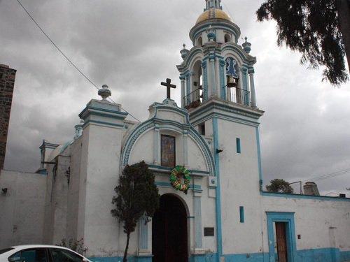 Paseo por Mexico Templo de Santa Maria Magdalena en San Pedro Cholula