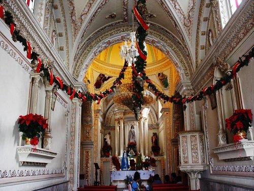 Paseo por Mexico Interior de Templo de Santa Maria Magdalena en San Pedro Cholula