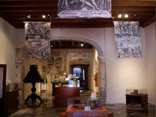 Paseo por Mexico Biblioteca Franciscana en San Pedro Cholula