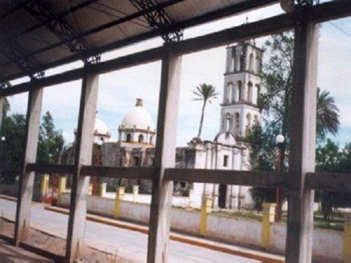 Paseo por Mexico Templo parroquial dedicado a San Pedro Apóstol en San Pedro Yeloixtlahuaca