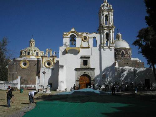 Paseo por Mexico Iglesia dedicada al Divino Salvador en San Salvador el Verde