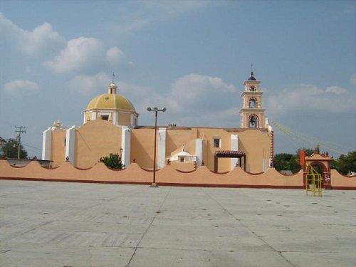 Paseo por Mexico Templo parroquial en honor de Santa Catarina Tlaltempan