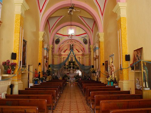 Paseo por Mexico Interior de Templo parroquial en honor de Santa Catarina Tlaltempan