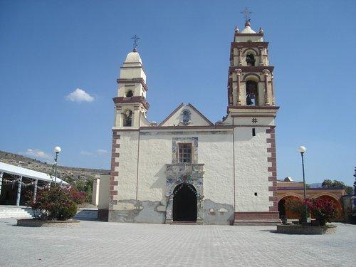 Paseo por Mexico Templo parroquial Santiago Apostol Miahuatlán