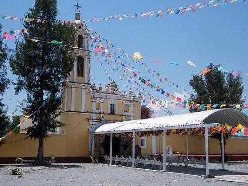Paseo por Mexico Parroquia de Santo Tomás Hueyotlipan